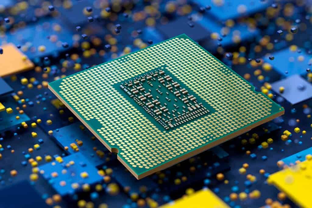 Intel предупреди за недостиг на процесори от есента